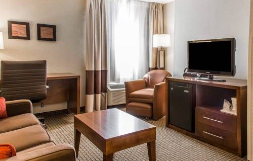 Comfort Inn Boston suite 2