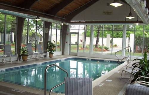 Courtyard Boston Logan Airport pool