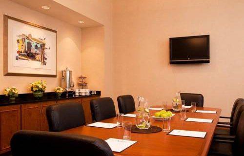 Embassy Suites Boston meeting space
