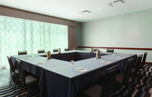 hilton-boston-logan-airport-meeting-space