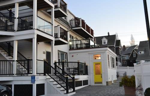 Inn at Crystal Cove 2